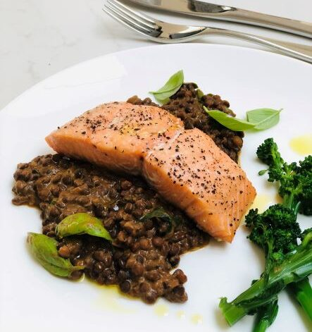 Salmon with lentil and basil